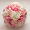 Menyasszonyi csokor szett Dinának, A szett tartalma: 1 db rózsaszín-fehér habrózs...