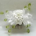 Fejdísz Erikának!, Fehér selyemvirág fejdísz zöld gyöngyökkel E...