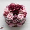 RomanticRosebox közepes, Lepd meg szeretteidet ezzel a romantikus virágdob...