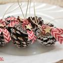 Karácsonyi toboz dekor - 10db/szett, Dekoráció, Karácsonyi, adventi apróságok, Ünnepi dekoráció, Karácsonyi dekoráció, Azonnal viheted! Apró, ritkaságszámba menő, gömbölyded törpefenyő tobozokat díszítettem szövött chev..., Meska