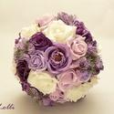 Lila-fehér egyedi selyemcsokor, örökcsokor, tartóscsokor, Esküvő, Esküvői csokor, Rendelhető!  Egyedi élethű fehér és különböző lila árnyalatú habrózsákból valamint selymerózsákból k..., Meska