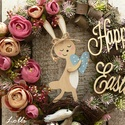 Szende nyuszi húsvéti koszorú, nyuszis koszorú, Dekoráció, Otthon, lakberendezés, Húsvéti díszek, Ajtódísz, kopogtató, Egyszer volt hol nem volt, volt egyszer egy cuki szende nyuszi, pöttyös kék szívvel bandukolt a nagy..., Meska