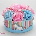 Unikornis virágbox, virágdoboz nagy, A kék felhős rózsaszín dobozt körben négy cu...