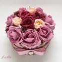 RomanticRosebox kicsi, Esküvő, Otthon, lakberendezés, Esküvői dekoráció, Ajtódísz, kopogtató, Lepd meg szeretteidet ezzel a romantikus virágdobozzal, melybe csodaszép mályvás és bordó selyemrózs..., Meska