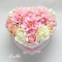 Nagy rózsaszín dáliás szív box - virágbox, virágdoboz, Esküvő, Esküvői dekoráció, Nászajándék, Esküvői csokor, Nagy szív virágbox Fehér szív dobozkát díszítettem rózsaszín, ekrü és barack habrózsákkal és rózsasz..., Meska