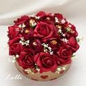 Vörös rózsás szives box virágbox virágdoboz - közepes, Lepd meg szeretteidet ezzel a romantikus virágdob...