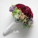 Vörös rózsás selyemvirág menyasszonyi örökcsokor, Esküvő, Esküvői csokor, Egyedi vörös rózsás menyasszonyi csokor, különleges zöld növényes gallérral. A nyél végét egy ékszer..., Meska