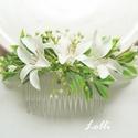 Ekrü virágos menyasszonyi fejdísz kontydísz, Esküvő, Ruha, divat, cipő, Hajdísz, ruhadísz, Hajbavaló, Ekrü virágos fejdísz, apró zöld levélkékkel, rezgővel és ekrü virágokkal díszítve. A virágos rész be..., Meska