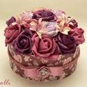 RomanticRosebox - virágdoboz, virágbox, rózsabox, Esküvő, Otthon, lakberendezés, Asztaldísz, Meghívó, ültetőkártya, köszönőajándék, Lepd meg szeretteidet ezzel a romantikus virágdobozzal, melybe csodaszép mályva, rózsaszín és lila h..., Meska