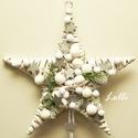Fehér karácsonyi csillag kopogtató, Otthon, lakberendezés, Karácsonyi, adventi apróságok, Ajtódísz, kopogtató, Karácsonyi dekoráció, Rusztikus veszző csillagot díszítettem, ezüst csillagokkal, hóbogyókkal és pici fenyővel, hófehér aj..., Meska