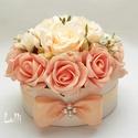 Barack rózsás virágdoboz, virágbox, rózsabox - kicsi, Esküvő, Otthon, lakberendezés, Esküvői csokor, Esküvői dekoráció, Lepd meg szeretteidet ezzel a romantikus virágdobozzal, melybe csodaszép barack selyem és  habrózsák..., Meska