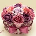 RomanticRosebox - virágdoboz, virágbox, rózsabox, Esküvő, Otthon, lakberendezés, Asztaldísz, Anyák napja, Lepd meg szeretteidet ezzel a romantikus virágdobozzal, melybe csodaszép mályva, rózsaszín, lila hab..., Meska