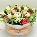 Barack-korall selyemvirágbox - virágdoboz, virágbox, rózsabox, Esküvő, Otthon, lakberendezés, Asztaldísz, Esküvői dekoráció, Lepd meg szeretteidet ezzel a teljesen élethű virágdobozzal, melybe csodaszép barackos, fehér, és ko..., Meska