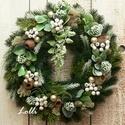 Örökzöld fagyöngy fenyő koszorú, Otthon & lakás, Lakberendezés, Ajtódísz, kopogtató, Dekoráció, Ünnepi dekoráció, Karácsonyi, adventi apróságok, Karácsonyi dekoráció, Koszorú, Minőségi selyemzöldekből készítettem ezt a  zöld koszorút, amit zuzmóval, fehér bogyókkal, tobozokka..., Meska