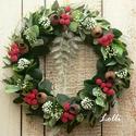 Örökzöld pirosbogyós koszorú, Otthon & lakás, Lakberendezés, Ajtódísz, kopogtató, Dekoráció, Ünnepi dekoráció, Karácsonyi, adventi apróságok, Karácsonyi dekoráció, Koszorú, Minőségi selyemzöldekből készítem ezt a  zöld koszorút, amit piros bogyókkal, pici zöld tobozokkal d..., Meska