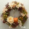 Romantikus tökös koszorú, Minőségi selyemzöldekkel és rózsával díszí...