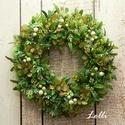Tömött zöld koszorú, Műzöldekkel és zöld selyemvirágokkal díszít...