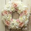 Ekrü-púderszín rózsás koszorú, Prémium selyemvirágokkal - púderszín és ekrü...