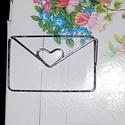 Szerelmes boríték- könyvjelző, Mindenmás, Szerelmeseknek, Hangszer, zene, Nikkelmentes, ezüstözött, hajlított drót. Könyvjelző mérete. 5 cm*3,1 cm, Meska