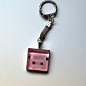kulcstartó-minecraft üveglencsés, Mindenmás, Ékszer, Kulcstartó 2,3 mm átmérőjű  ezüstszínű kör alakú kulcskarikával, szintén ezüstszínű s..., Meska