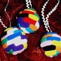 Tarkaságok farsangra, születésnapra (5 db 7 cm), Dekoráció, Ünnepi dekoráció, Dísz,   Ezek a színes textil, gömb díszek  kiválóan alkalmasak születésnapi vagy esetleg farsangi b..., Meska