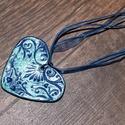 tenger kék kerámia szív- nyaklánc, Ékszer, Ruha, divat, cipő, Nyaklánc, Kerámia, A kerámia ékszer általam tervezett és készített. A kerámia szív  kék színre antikolt. 46 cm(+5 cm) ..., Meska