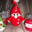 Horgolt karácsonyi manó, Dekoráció, Ünnepi dekoráció, Karácsonyi, adventi apróságok, Karácsonyi dekoráció, Horgolás, Kedves kis horgolt manó, mely piros hópihés megjelenésével bármelyik lakás hangulatát ünnepivé vará..., Meska
