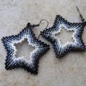 Hollywood csillagok fülbevaló, Ékszer, óra, Fülbevaló, Fekete-szürke-fehér átmenetes, peyote techinkával fűzött csillagok, melyek kb. 4 cm átmérőjűek.  Nag..., Meska