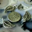 Antik ezüst levél fityegő, charm, medál, Mérete kb. 19.5x10mm. Minden levélhez tartozik e...