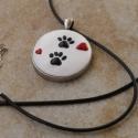 Cica tappancs - fekete macska tappancsok nyakláncon (süthető gyurma), Süthető gyurmából, kézzel készített medál....