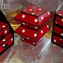 PIROS PÖTTYÖS ékszerdoboz / írószertartó szett /fekete alapon/, Ékszer, Otthon, lakberendezés, Tárolóeszköz, Ékszertartó, Piros alapon fehér pöttyös mintájú doboz szett.  Kartonpapírból készült, TARTÓS, igényesen kialakíto..., Meska