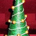 FELDÍSZÍTHETŐ KARÁCSONYFA / FENYŐFA / asztali, Dekoráció, Otthon, lakberendezés, Ünnepi dekoráció, Karácsonyi, adventi apróságok, Karácsonyi dekoráció, zöld erős fonalból decoupage-ragasztóval készített kúp alakú fenyőfa, szerénynek mondható díszítéske..., Meska