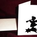 KARÁCSONYI ÜDVÖZLŐLAP / ÜDVÖZLŐKÁRTYA, ajándékkísérő, képeslap (trombitás), Dekoráció, Karácsonyi, adventi apróságok, Ajándékkísérő, képeslap, Karácsonyi dekoráció, Fehér kartonpapír alapra fekete öntapadós tapétából készített minta (borítékkal) A karácsonyi ajándé..., Meska