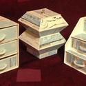 Ékszerdoboz / írószertartó szett /fehér alapon/, Dekoráció, Dísz, Doboz-szett /fehér alapon/  Kartonpapírból készült, TARTÓS, igényesen kialakított, különböző formájú..., Meska