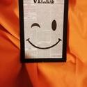 """SMILE / FALI KÉP (A/4-es méretű), Egykori """"Világ"""" napilapra fekete alkoholos filcce..."""