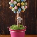 Húsvéti fácska pink, Dekoráció, Húsvéti díszek, Otthon, lakberendezés, Asztaldísz, Famegmunkálás, Virágkötés, Húsvéti fácska egy 12 cm-es bádogkaspóba helyezett, 30 cm magas dísz. A kis színes tojások között, ..., Meska