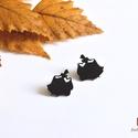 Hamupipőke fülbevaló , Ékszer, óra, Fülbevaló, Ékszerkészítés, Zsugorka, Az apró hercegnők fekete színű zsugorfóliából készültek. Méretük egyenként kb. 1-1 cm. Az előlapjuk..., Meska