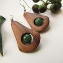 Aventurin fülbevaló,  A fülbevaló alapja dió fából készült és e...