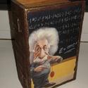 könyv alakú doboz - kicsi - Einstein, Otthon, lakberendezés, Tárolóeszköz, Doboz, Könyv alakú dobozok, más képpel is rendelhetők. Általában lézernyomatot használok, mert nem..., Meska