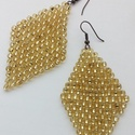 Óriás Arany Levél, Ékszer, óra, Fülbevaló, A Levél fülbevalóm nagyobb méretű változata. Ezüst közepű, aranysárga akril gyöngyökből készült.  Mé..., Meska