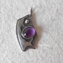 Ezüst medál ametiszttel, Ékszer, óra, Medál, Ékszerkészítés, Ötvös, 10x8 mm-es ametiszttel készítettem ezt az egyedi, rusztikus ezüst medált.  A medál teljes hossza 3,..., Meska