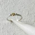 Arany - ezüst pöttyös - ezüst gyűrű , Ékszer, óra, Gyűrű, Ékszerkészítés, Ötvös, Ezüst gyűrűt készítettem, kettő apró ezüst és egy arany pötty díszíti. Belső átmérője 17,4 mm, a gy..., Meska