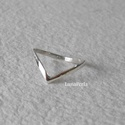 Viktória - kicsit másképp, Ékszer, Gyűrű,  Ezüst gyűrűt készítettem, fényesre políroztam. A gyűrűsín 1,7 mm széles.  Belső átmér..., Meska