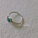 Smaragddal -  ezüst gyűrű , Vékony ezüst gyűrűt készítettem, 6x4 mm-es s...