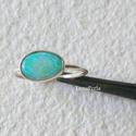 Ezüst gyűrű opállal 2., Ékszer, Gyűrű, Vékonyka ezüst gyűrűt készítettem,  gyönyörűséges, 9x6 mm-es ausztrál opállal. A gyűrű belső átmérőj..., Meska