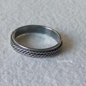 Ezüst gyűrű csavart mintával, Egyszerű, mutatós ezüst gyűrű. A gyűrűsín ...