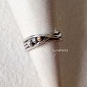 Ezüst gyűrű pöttyökkel, Egyszerű, mutatós ezüst gyűrű némi csavarral...