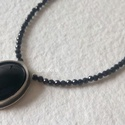 Ezüst nyaklánc feketében, Ékszer, Nyaklánc, Medál, Nagyon szép 2 mm-es spinell gyöngyökkel és egy 16x12  ónix kővel készítettem ezt a nyakláncot. Hossz..., Meska