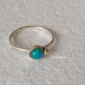 Ezüst gyűrű opállal és arannyal, Vékonyka ezüst gyűrű 4 mm-es opállal és aran...