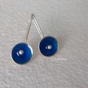 Ezüst fülbevaló kékben 2., Ékszer, Fülbevaló, Egyszerű kis ezüst fülbevaló csodás kékkel és bogyóval. A fülbevaló teljes hossza 2,7 cm.        ..., Meska